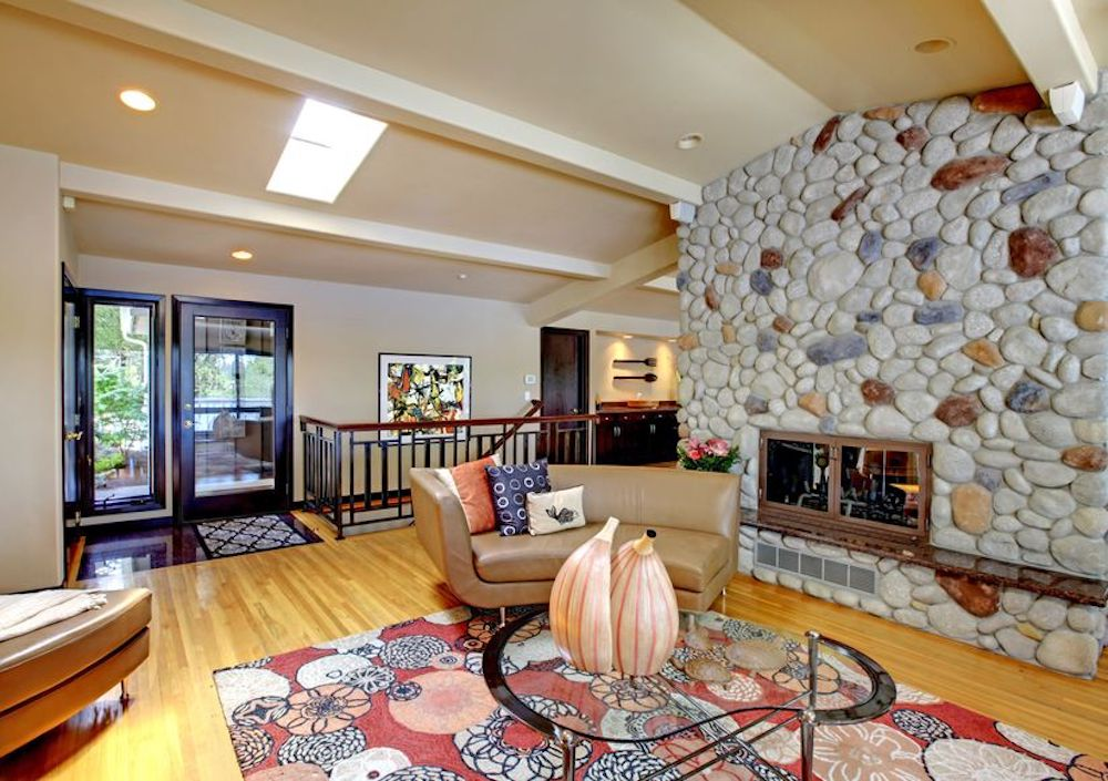 3 Reasons To Purchase A Large Area Rug For Your Home