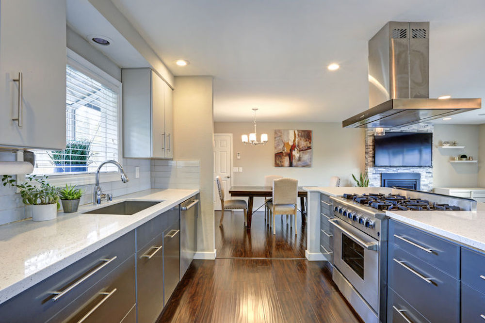 Is Quartz In and Granite Out for Countertops?